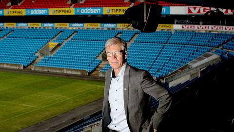 Administrerende direktør Leif Øverland i Norsk Toppfotball måtte innse at Ullevaal Media Center måtte selges eller avvikles. – Vi har hatt kjempeutfordringer etter at vi mistet kontrakten med Discovery, sier han.