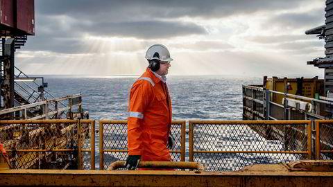 Ole Ertvaag i Hitecvision har vært arkitekten bak oppbyggingen av Vår Energi. Her på besøk på oljefeltet Ringhorne i 2017 – et av feltene som ExxonMobil solgte. Da Ertvaag besøkte feltet var det forgjengeren til Vår Energi, Point Resources, som var operatør på feltet.