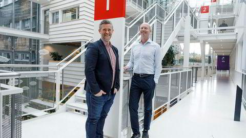 Da Atle Christiansen (til høyre) startet Fronteer Solutions i 2012, var det ingen banker som ville ha tjenesten. Nå får han en bank på eiersiden. David Baum i Sparebank 1 SR-Banks Finstart Nordic blar opp 30 millioner kroner i en emisjon.