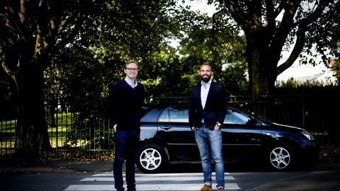 F.v. Daglig leder Chris Moen og teknisk sjef Christian Hager i privatbil-utleietjenesten Nabobil.no. Foto: Mikaela Berg