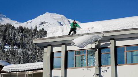 Den sveitsiske byen Davos står klar i sin beste vinterdrakt for å ønske verdenseliten velkommen til årets møte. Klima, naturkatastrofer og ekstremvær blir sett på som de største farene i 2019.
