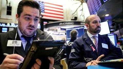 Den negative stemningen på de amerikanske børsene fortsetter. Dow Jones-indeksen her på New York-børsen (NYSE) falt over to prosent tirsdag.