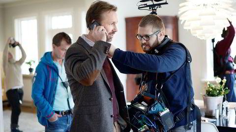 Thomas Giertsen skal blant annet fortelle deltagerne på miniseminaret om innspillingen av serien «Helt perfekt», der dette bildet er hentet fra.
