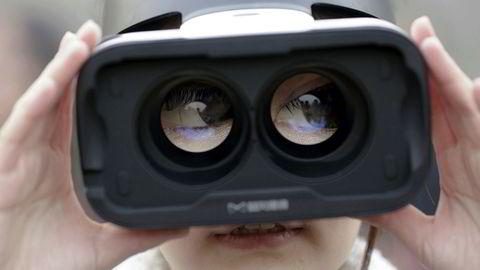 VR, Virtual Reality eller virtuell virkelighet. Her er svar på ti av de mest stilte spørsmålene om teknologien.