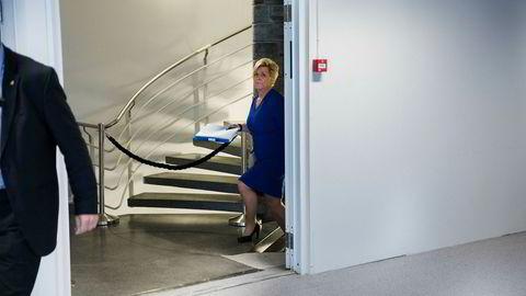 Siv Jensen legger frem revidert statsbudsjett -og holder pensjonsløftet hun ga for fire år siden.