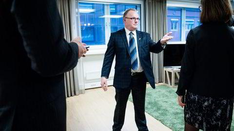Frp-nestleder Per Sandberg har lite til overs for forslaget om null salg av bensin- og dieselbiler fra 2025. Nå behandler Frp saken en gang til. Foto: Skjalg Bøhmer Vold