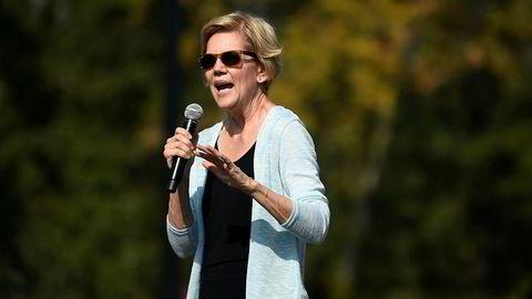 Senator Elizabeth Warren fra Massachusetts slår tilbake mot Facebook-topp Mark Zuckerberg.