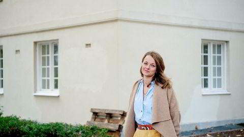 – Det holder ikke å være kul og kjøpe fussball-bord til de ansatte, selv om vi faktisk har det. Det handler derimot om å bygge gode miljøer for læring, personlig utvikling og for sosial omgang, sier administrerende direktør Tine Charlotte Holm i Oslo Market Solutions.
