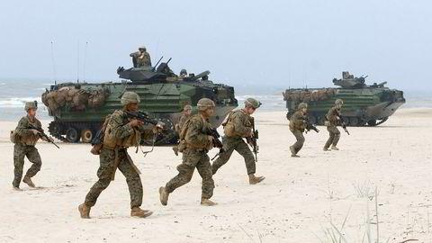 Nato er fullstendig avhengig av USA for å være en relevant forsvarsallianse. Det er amerikanske våpen som gjør Nato til en formidabel militærmakt. Her amerikanske soldater under Natoøvelsen Baltic Operations (BALTOPS) ved Østersjøen i Litauen i juni i år.
