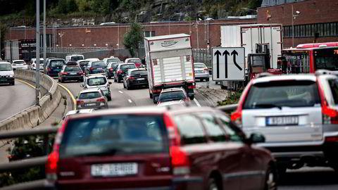 Noen få sekunders uoppmerksomhet kan få store konsekvenser i trafikken, advarer forsikringsselskap.  Illustrasjonsfoto: Aleksander Nordahl
