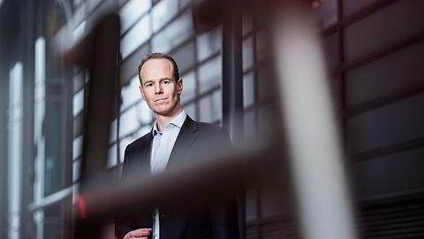 DNB Markets' Paul Harper har tro på laks, Norwegian og Telenor.                    Foto: Skjalg Bøhmer Vold