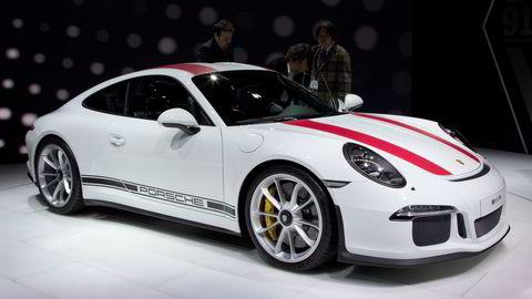 Porsche 911 R henvender seg til puristene som synes turbo er tull. Alle foto: Embret Sæter
