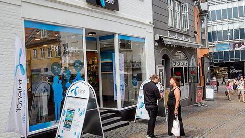 KJEMPER. I Danmark kjemper Telenor hardt om kundene, og taper på driften. Selskapet har bygget mobilnett sammen med TeliaSonera i nabolandet. En dansk mobilfusjon kan bli aktuelt. Foto: Kim Haugaard, NTB Scanpix