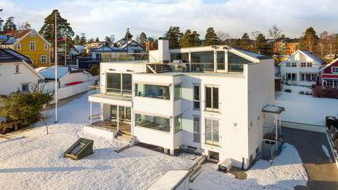 Nettverksmillionær Finn Ørjan Sæle og kona Hilde Rismyhr Sæle, som i fjor kjøpte bolig av Arne Fredly for 86 millioner kroner, vil ha 34 millioner kroner for gamleboligen.