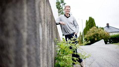 Venstres finanspolitiske talsperson Terje Breivik er på ferie i Sandefjord, men sender brev til finansministeren denne uken. Han vil til livs at konsulentbransjen betaler null i skatt. Foto: Ida von Hanno Bast