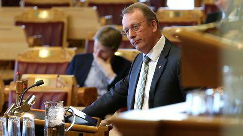 Arkivbilde. Per Rune Henriksen (Ap) i Stortingets spørretime.
