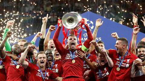 Etter en tidlig straffescoring og et mål i sluttminuttene mot Tottenham, kunne Liverpool løfte trofeet på Wanda Metropolitano i Madrid.