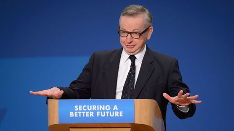 (FILES) This file photo taken on October 1, 2014, shows British Lord Chancellor and Justice Secretary Michael Gove addressing the annual Conservative Party Conference in Birmingham, central England.                    Leading Brexit campaigner and Justice Minister Michael Gove on Thursday June 30, 2016, announced a surprise bid to succeed David Cameron as British prime minister, launching a sensational attack on referendum ally Boris Johnson, who is also expected to run. Foto: AFP PHOTO / LEON NEAL /NTB Scanpx