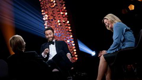 Anne Lindmo leder «Lindmo» på NRK1. Her sammen med Calle Hellevang-Larsen (til venstre) og Vidar Magnussen.
