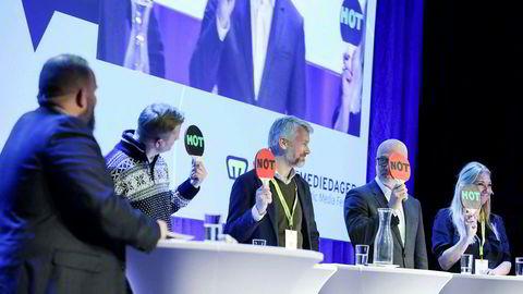 Nent-sjef Vegard Drogseth og Discovery-sjef Tine Austvoll Jensen var de eneste av tv-toppene som mente at spillreklame var hot. TV 2-sjef Olav T. Sandnes og NRK-sjef Thor Gjermund Eriksen viste opp skilt med «not».