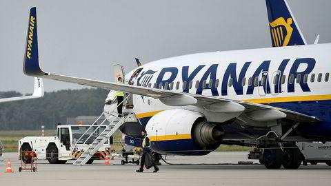 Kabinansatte i Spania skal i september streike mot Ryanairs varslede planer om å legge ned flybaser.