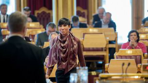 Forsvarsminister Ine Eriksen Søreide (H) måtte onsdag i spørretimen svare for det opposisjonen mener er et uforståelig hemmelighold av Riksrevisjonens sammendrag om manglende objektsikring.