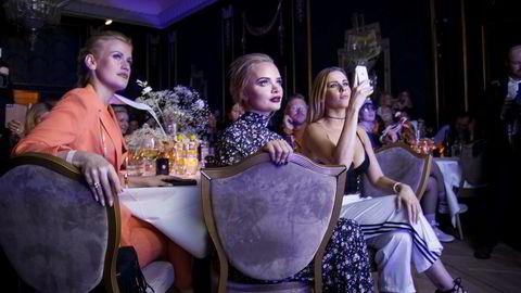 Bloggerne Sophie Elise og Anette Marie Antonsen under Vixen Blog Awards.