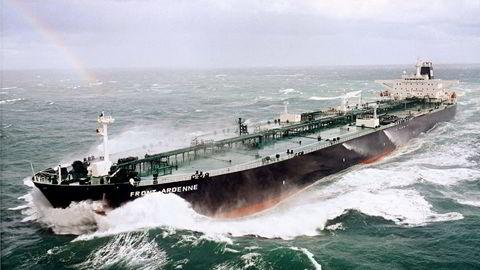 UROLIG SJØ: Shipping-toppene trekker frem en lang rekke ulike risikofaktorer for utviklingen i bransjen fremover.  Illustrasjonsfoto: Frontline