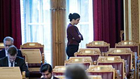 Hadia Tajik nekter å friskmelde arbeidsmarkedet, til tross for at arbeidsledigheten er den laveste på ti år.