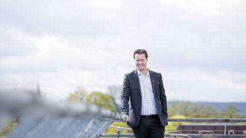 Tidligere ordfører Helge Andre Njåstad håper andre kommuner følger Austevolls eksempel og setter ut de kommunale tjenestene til private. Foto: