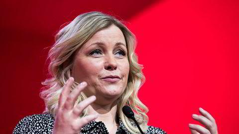 Partisekretær Kjersti Stenseng i Arbeiderpartiet har sendt et brev til partiets ordførerkandidater der hun oppfordrer dem til å kalle inn partene i arbeidslivet om å få flere personer i heltidsstillinger.