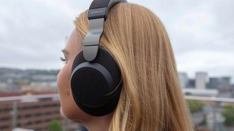 Jabra Elite 85h leverer både utmerket støydemping og glimrende lyd.