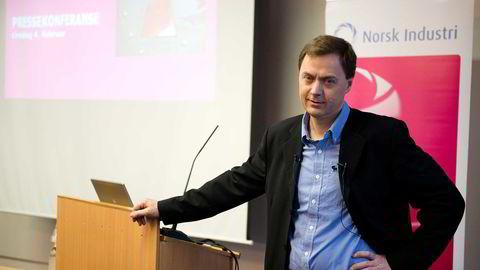 Direktør for industripolitikk Knut Sunde i Norsk Industri er bekymret for kronekursutviklingen.  Foto: Per Ståle Bugjerde