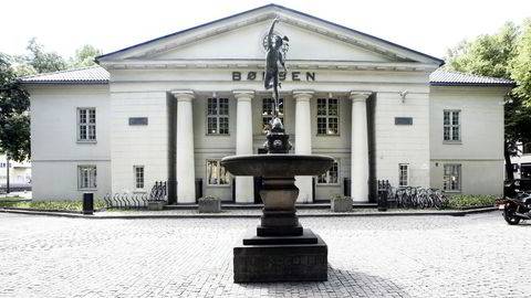 Entra og Telenor er blant selskapene som faller på Oslo Børs torsdag morgen. Foto: Berit Roald / SCANPIX