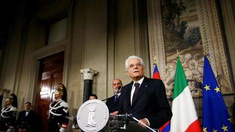 Italias president Sergio Mattarella har hindret de EU-skeptiske partiene Femstjernersbevegelsen (M5S) og Ligaen i å danne ny regjering.