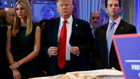 USAs president Donald Trump og hans tre eldste barn har saksøkt to finansinstitusjoner i et forsøk på å blokkere utleveringen av regnskaper og annen konfidensiell informasjon til to komiteer i Kongressen.