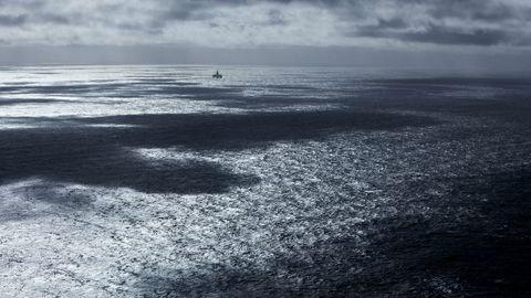 Regjeringen vil lete etter olje ved delelinjen mot Russland i Barentshavet.
