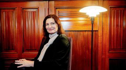 Manus og grundige forberedelser er ikke alltid veien til suksess, er Libe Rieber-Mohns erfaring etter å ha stått på scenen med tidligere Bergen-ordfører Trude Drevland.