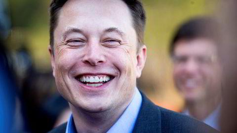 Tesla administrerende direktør Elon Musk, har liten grunn til å smile om dagen.