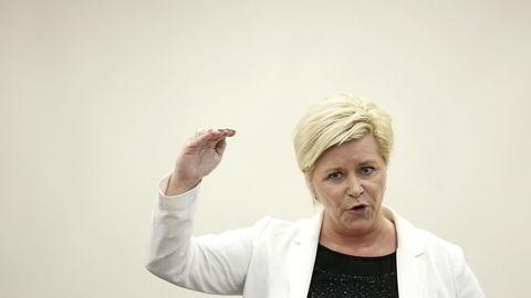 Finansminister Siv Jensen legger frem den årlige stortingsmeldingen om Oljefondet. Foto: Aleksander Nordahl