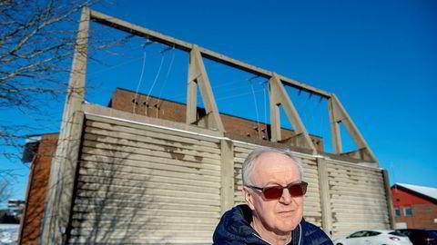 Alf Thode Skog er rådmann i Rakkestad kommune, som tviholder på eget nettselskap selv om det gjør at innbyggerne må betale høyere nettleie.