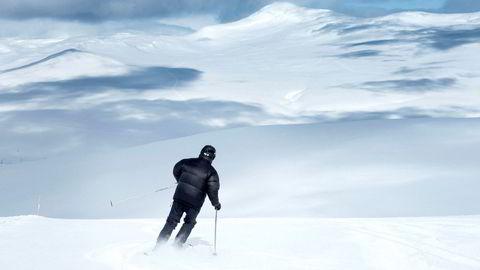 Det norske alpinteknologiselskapet Skioo fusjonerer med spanske Skitude og tar mål av seg å bli størst i verden i en industri som omsetter for over 500 milliarder kroner i året.