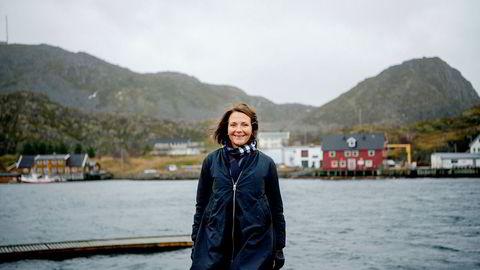 Daglig leder Line Ellingsen i Ellingsen Seafood driver lakseslakteri på øya Skrova i Lofoten.