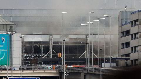 14 mennesker mistet livet og 81 ble skadet i tirsdagens selvmordsangrep på den internasjonale flyplassen Zaventem i Brussel. Foto: Michel Spingler/AP/NTB Scanpix