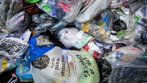 Selv om dagens system ikke er godt nok, er det beste vi har, og mye bedre enn om all plast ble brent, skriver artikkelforfatteren.