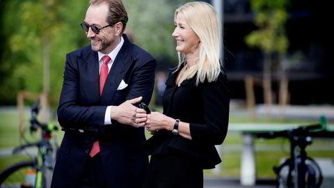 Kjell Inge Røkke og Anne Grete Eidsvig under åpningen av Skandinavias største skulpturpark i det nye Akerkvartalet på Fornebu sommeren 2016.