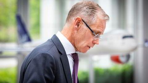 SAS' konsernsjef Rickard Gustafson merker at flyskam gir merkbart færre inntekter i Sverige og synes debatten om luftfartens rolle i klimaspørsmål har sporet av i hjemlandet.