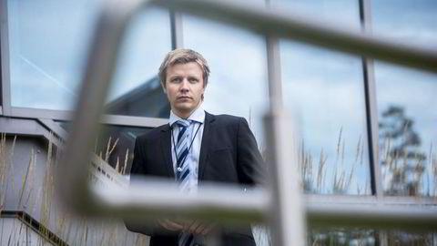 ENDRET AVTALE: Kommunikasjonssjef Stian Arnesen i Danske Bank forklarer hvorfor banken endret sine vilkår for fastrentelån. FOTO: Skjalg Bøhmer Vold