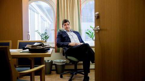 Gunnar Gundersen (Høyre) kritiserer Else-May Botten (Arbeiderpartiet) som har uttalt til Klassekampen at hun synes staten bør håndplukke hvilke bedrifter som skal støttes i forbindelse med regjeringens industrimelding.