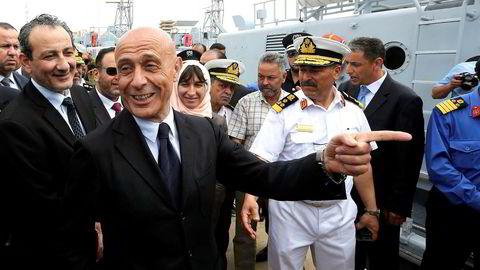 Italias innenriksminister Marco Minniti inngikk i februar en avtale med regjeringen til Fayes al-Serrai i Libya om styrking av kystvakten. 15. mai var han på besøk i Tripoli.